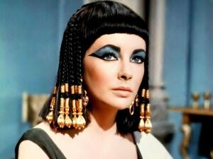 elizabeth-taylor-cleopatra1-e1397839433553