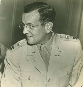Glenn-Miller-profile-in-uniform