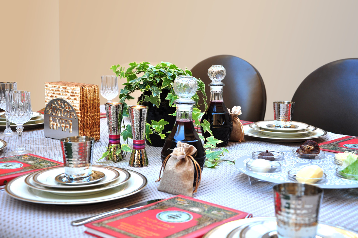 sandy-b-interiors-pesach-tablescape-4