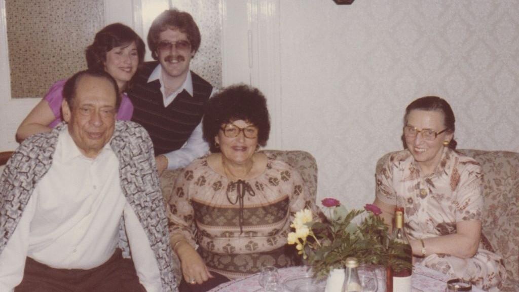 Мохаммед Хелми и Фрида Штурман. Посещение семьи Анны Гутман д-ра Хельми, Берлин, 1980 год